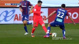 preview picture of video 'Messi brinca com a defesa adversária - Eibar x Barcelona (14/03/2015)'