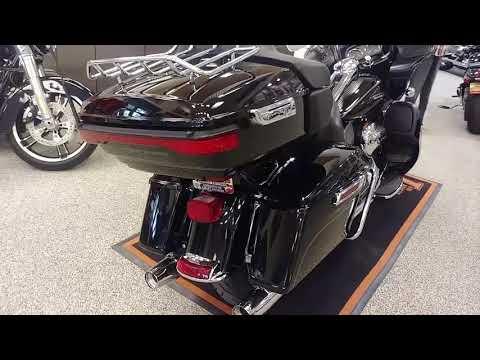 2016 Harley-Davidson Road Glide® Ultra in Apache Junction, Arizona