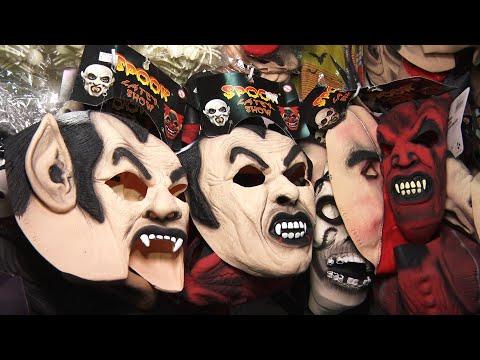 Comércio de artigos para Halloween tenta driblar queda nas vendas em época de pandemia