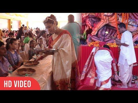 Kajol at Biggest Durga Puja 2018 | Touching Feet of Panditji | Serving Bhog to Public
