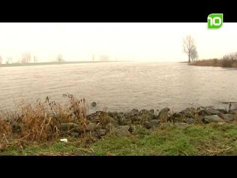 Hoogwater van de Maas in Boxmeer - Hoogste punt bereikt
