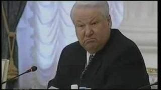 Смотреть онлайн Ельцин пересадил присутствующих в прямом эфире