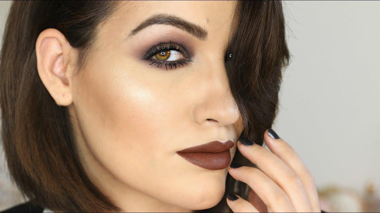 Smoky eye y labios oscuros LIMBO MAKEUP LOOK
