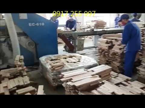 Gói hàng những phôi gỗ chuẩn bị xuất xưởng