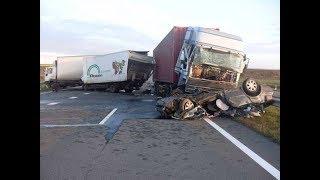 Аварии грузовиков, ДТП Грузовики Фуры Дальнобойщики жесткая подборка