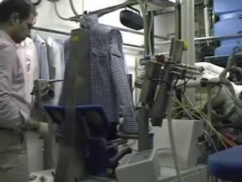 Stiratura camicia a vapore automatizzata