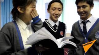 Дети прочитали первую книгу, написанную на казахском языке латинской графикой