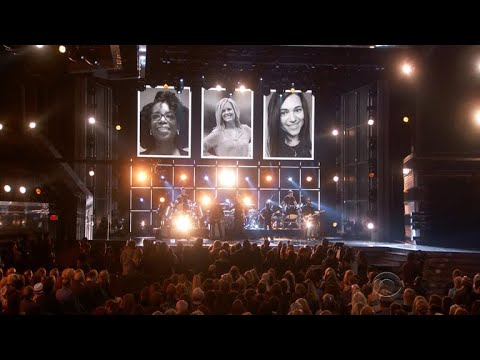 ACM Awards remembers Las Vegas shooting victims