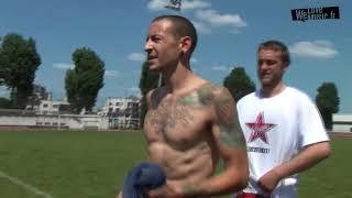 Линкин Парк играют в футбол в Париже (промо альбома The Hunting party)