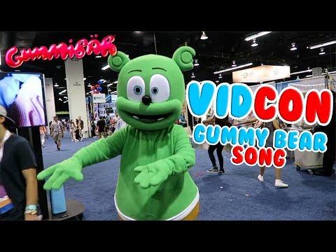 GUMMY BEAR SONG at VIDCON 2016 Gummibär Flashback Friday