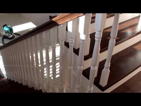 Деревянная лестница на металлическом каркасе /материал дуб и сосна