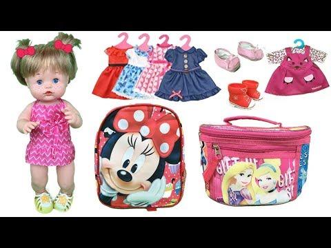 Muñecas bebes nenuco preparan las mochilas de minnie mouse y princesas para Disney land paris