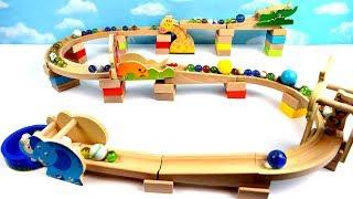 Aprende Colores con Tobogán de Bolas y Carrera de Canicas! Safari Marble Maze Race Run