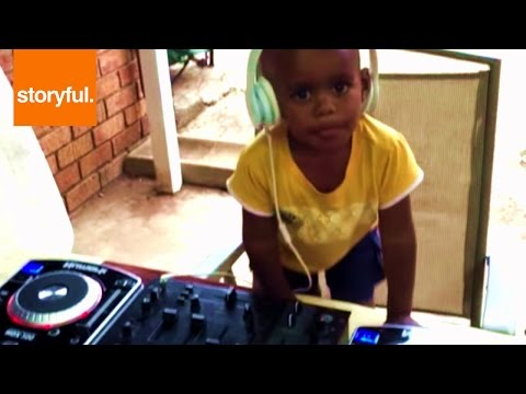 2 Year-Old Kid DJ Making Beats