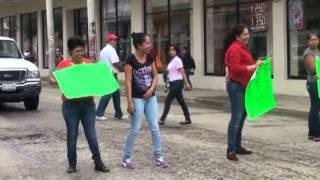 preview picture of video 'Ambulantes toman el centro de Poza Rica'