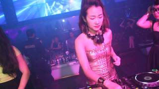 DJ Trang Moon xinh quá!