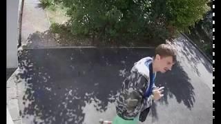 Уроды рисующие на подъездах рекламу наркотиков, город Севастополь 26.09.2018