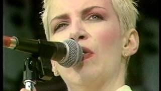 Eurythmics   Sweet Dreams [Live 1988]