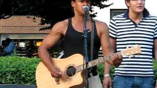 preview picture of video 'Laurence Woodson performs on Dupont Circle -Washington, DC'