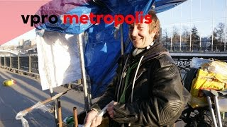 Street DJ with one leg in Russia - vpro Metropolis