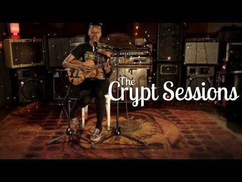 Betty Steeles - Beat It // The Crypt Sessions