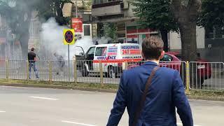 Извънредно от Варна! Линейка пламна на централен булевард в града