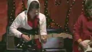 Arctic Monkeys - No Buses (live)
