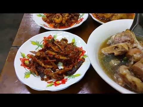 ข้าวขาหมูพม่า เมืองพะสิม เขตอิรวดี eating Pathein local food