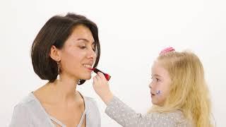 Ebrar Alya Demirbilek Kızlara Makyaj Yapıyor!