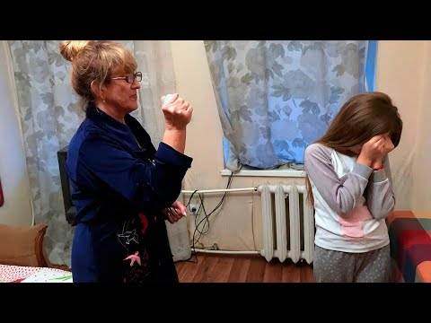 70-ЛЕТНЯЯ БАБУШКА ЗАБРАЛА РЕБЕНКА У РОДИТЕЛЕЙ