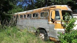 1952 GMC Bus & 1940's Mack Bus (CTR-153)