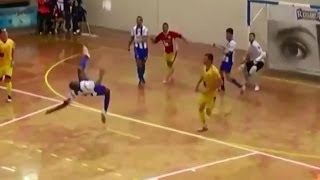 Futsal Bicycle Kick Is All Kinds of Ridiculous