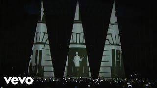 Llamando a La Mujer Acción (En vivo) - Alejandro Sanz (Video)