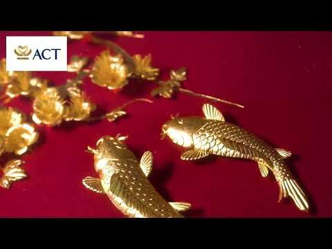 Tranh cá chép hoa mai dát vàng (27x34cm)