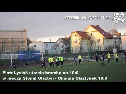 Piotr Łysiak strzela bramkę z rzutu wolnego w Stomil Olsztyn - Olimpia Olsztynek 10:0
