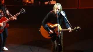 Tom Petty & The Heartbreakers - Time To Move On (Acoustic) - Beacon Theater NY 5-26-13