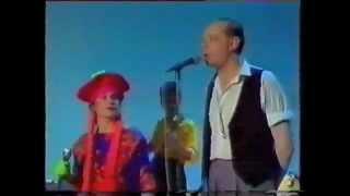 Joe Jackson feat. Elaine Caswell - Happy Ending (ZDF, Flashlights, 1984)