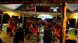 preview picture of video 'Fiafia at Taufua Beach, Lalomanu, Samoa (June 16, 2011)'