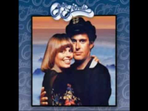 "CAPTAIN & TENNILLE - ""Wedding Song"" (1976)"