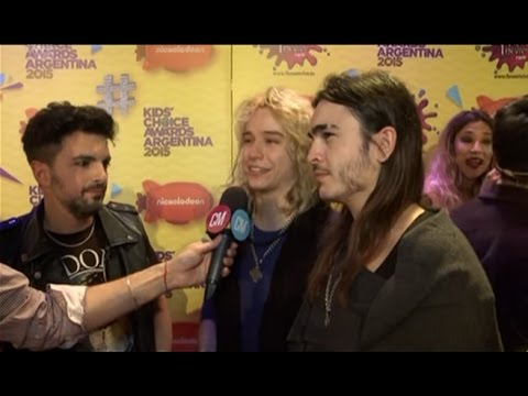 Airbag video Airbag + Miranda - Kids Choice Award 2015