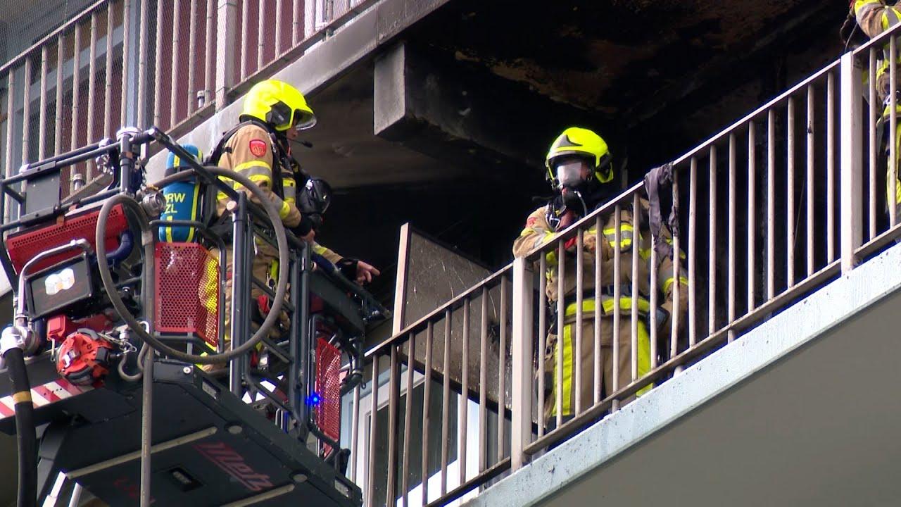 Gewonden bij flinke brand in flatwoning Brunssum