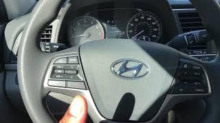 How to lock and unlock the doors –Hyundai Elantra