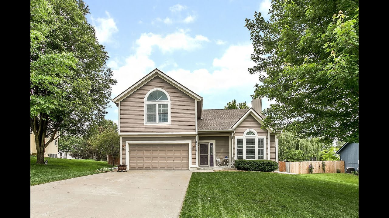 NEW ON THE MARKET ~ Beautiful Brittany Heights 4 Bedroom Updated Home!