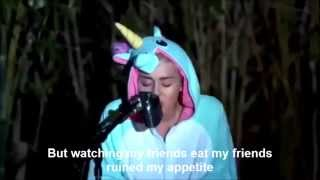 Miley Cyrus - Pablow (Lyrics)