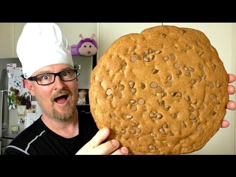 GIANT CHOCOLATE CHIP COOKIE RECIPE