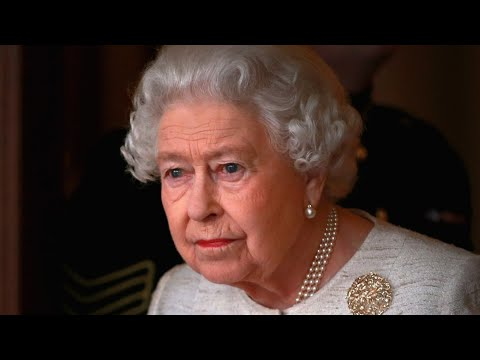 Why Queen Elizabeth Has Never Given an Autograph...