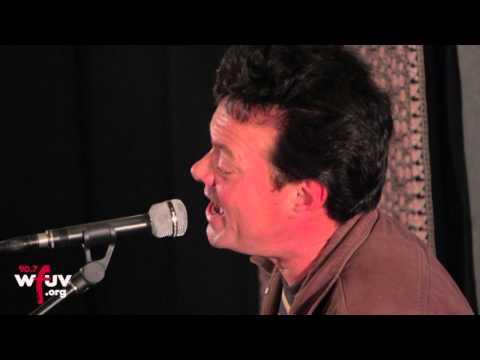 """James Hunter - """"People Gonna Talk"""" (Live at WFUV)"""