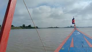 preview picture of video 'Boat trip in Stung Treng'