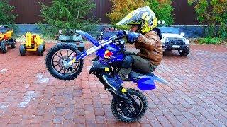Senya and his motorcycles! Senya shows Tricks on Cross bikes!