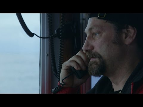 The Call That Left Johnathan Speechless | Deadliest Catch